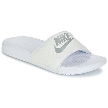 Chaussures Femme Claquettes Nike BENASSI JUST DO IT W Blanc / Argenté