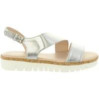 Chaussures Femme Sandales et Nu-pieds Chika 10 IDOIA 01 Plateado